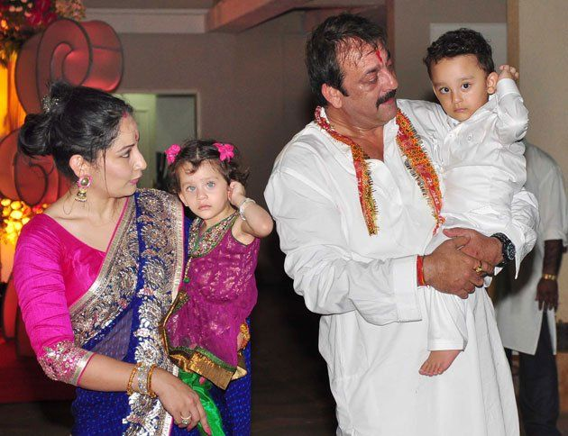 Sanjay Dutt and Maanyata with their babies Iqra and Shahraan