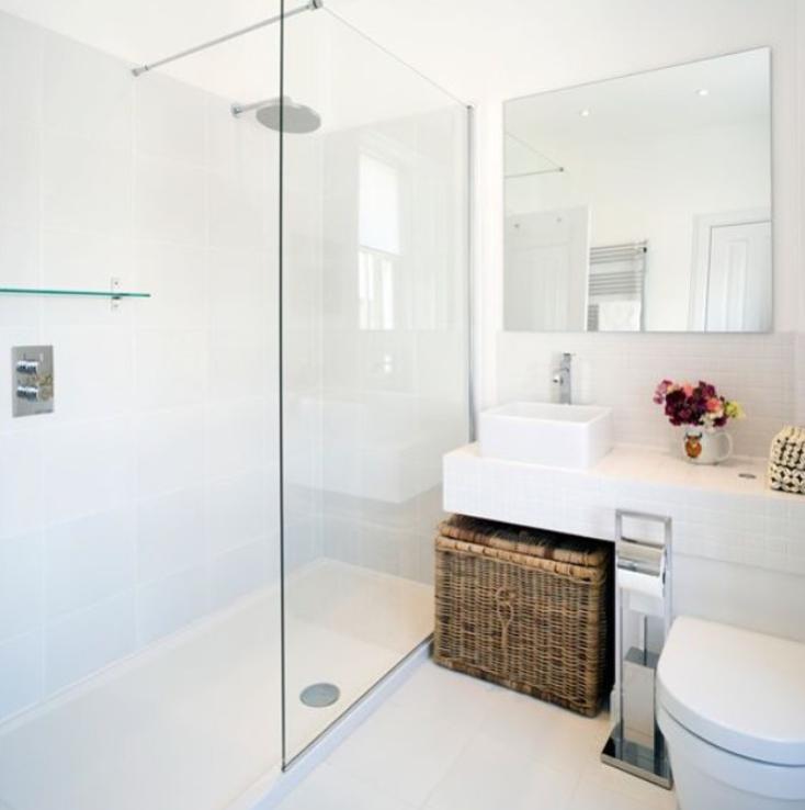 Pin de ena dedic en bathrooms ba os blancos modernos - Reformar bano pequeno ...