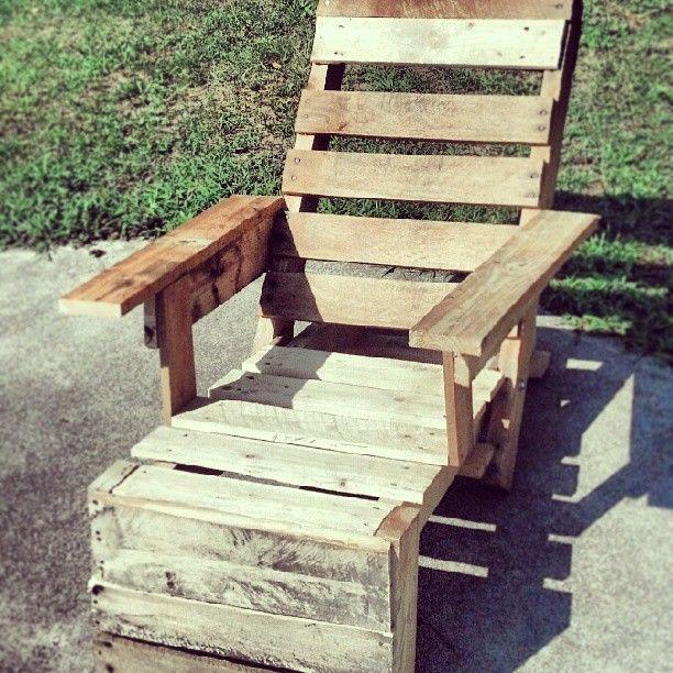 Pallirondack chair built by @Beau Faulkner (last summer).  #upcycle #homesteader #pallet #chair (original http://pinterest.com/pin/16466354858798320/ )