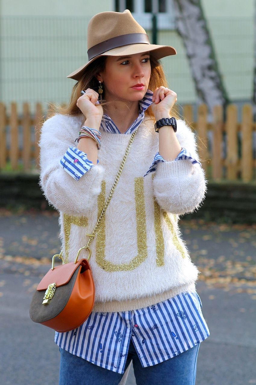 Herbst Outfit mit Laura Kent - Kuschelpullover in beige, gestreifte  Longbluse   blaue Jerseyhose - Rimanere nella memoria adff42b9231e
