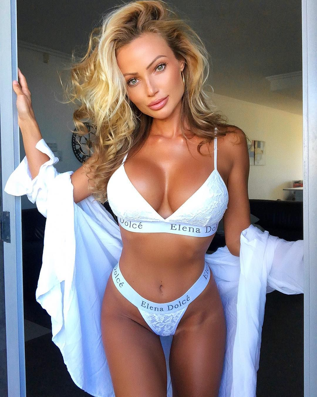 Cleavage Abby Dowse nudes (85 photo), Pussy, Paparazzi, Selfie, panties 2015