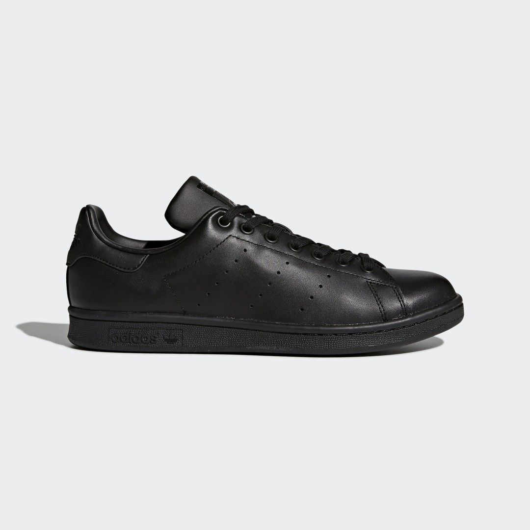 Stan Smith Shoes In 2020 Stan Smith Shoes Black Shoes Adidas Stan Smith Sneakers