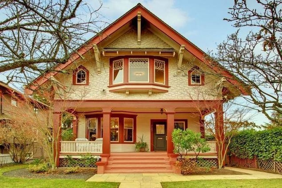 101 Year Old Queen Anne Victorian Home Up For 1 04m Victorian Homes Seattle Homes Architecture House