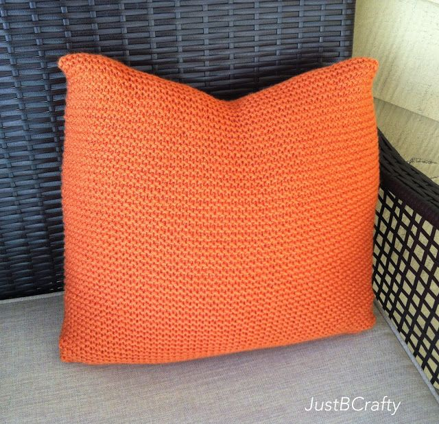 DIY: Crate and Barrel Inspired Simple Knit Pillow | Manta, Trapillo ...