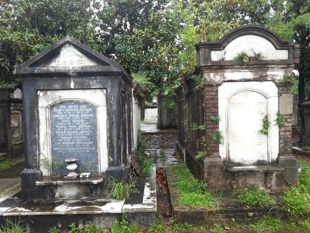 Lafayette Cemetery (New Orleans, LA): Address, Phone Number, Tickets & Tours, Reviews - TripAdvisor