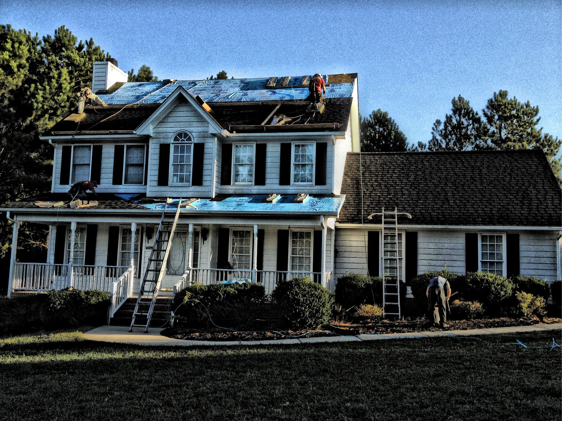 North Raleigh Roof CertainTeed Landmark Color Charcoal Black. & North Raleigh Roof CertainTeed Landmark Color: Charcoal Black ... memphite.com