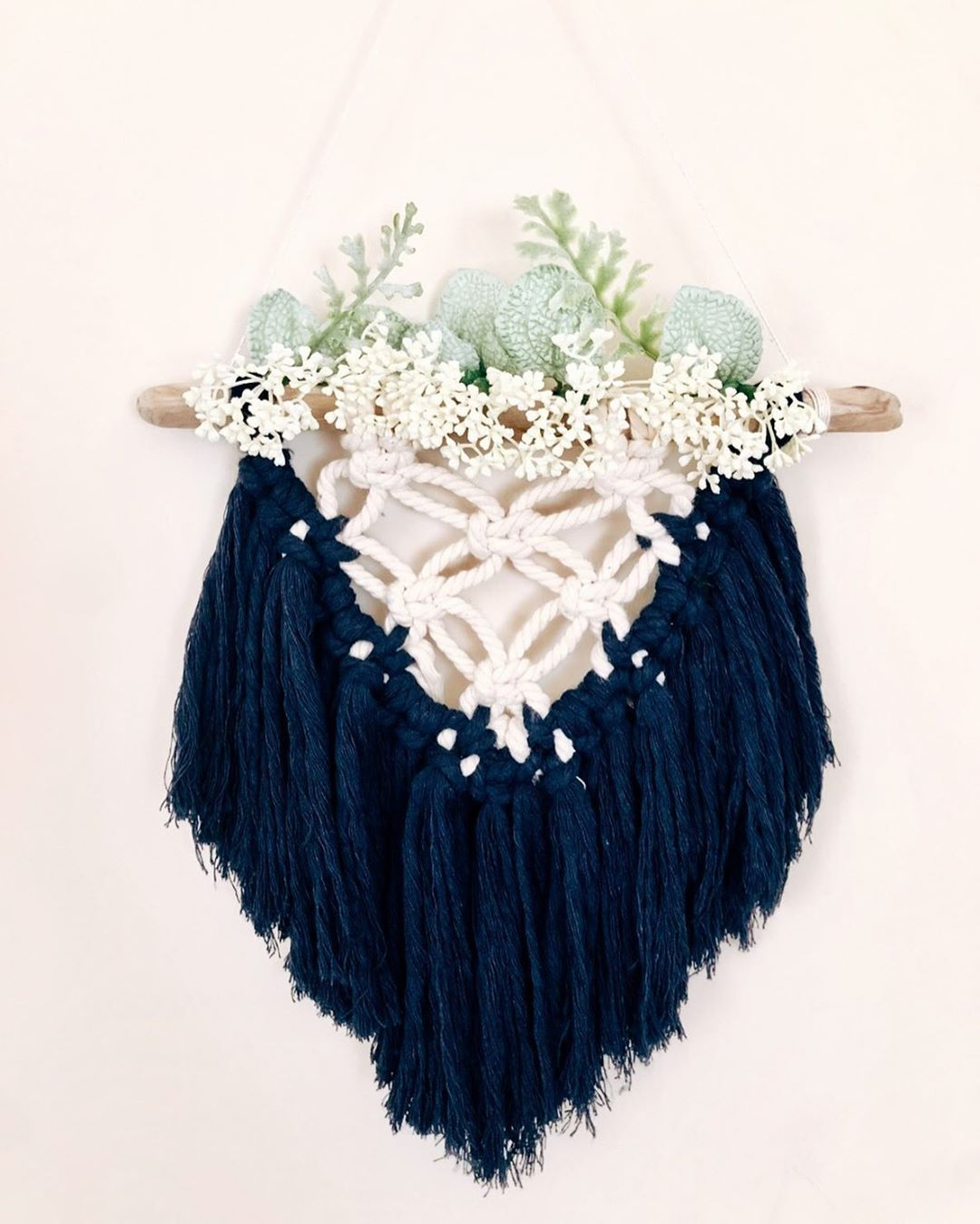 NATURAL&NAVY + baby's breath 💕  Requests and personalization are open and welcome.🌿Check my Etsy to purchase, or to contact me!🌻  Link in bio🤍  • • • • •  #lifestyle #style #artist #design #artistsofinstagram #femaleartist #knotting #girlboss #diy #boho #lifestyleblogger #macrame #fiberart #fibreart #fibreartist #fiberartist #etsy #etsyshop #smallbusiness #makersgonnamake #maker #handmade #walldecor #supportlocal #boho #bohochic #mighty_macrame #fiberfeatures #macramovement