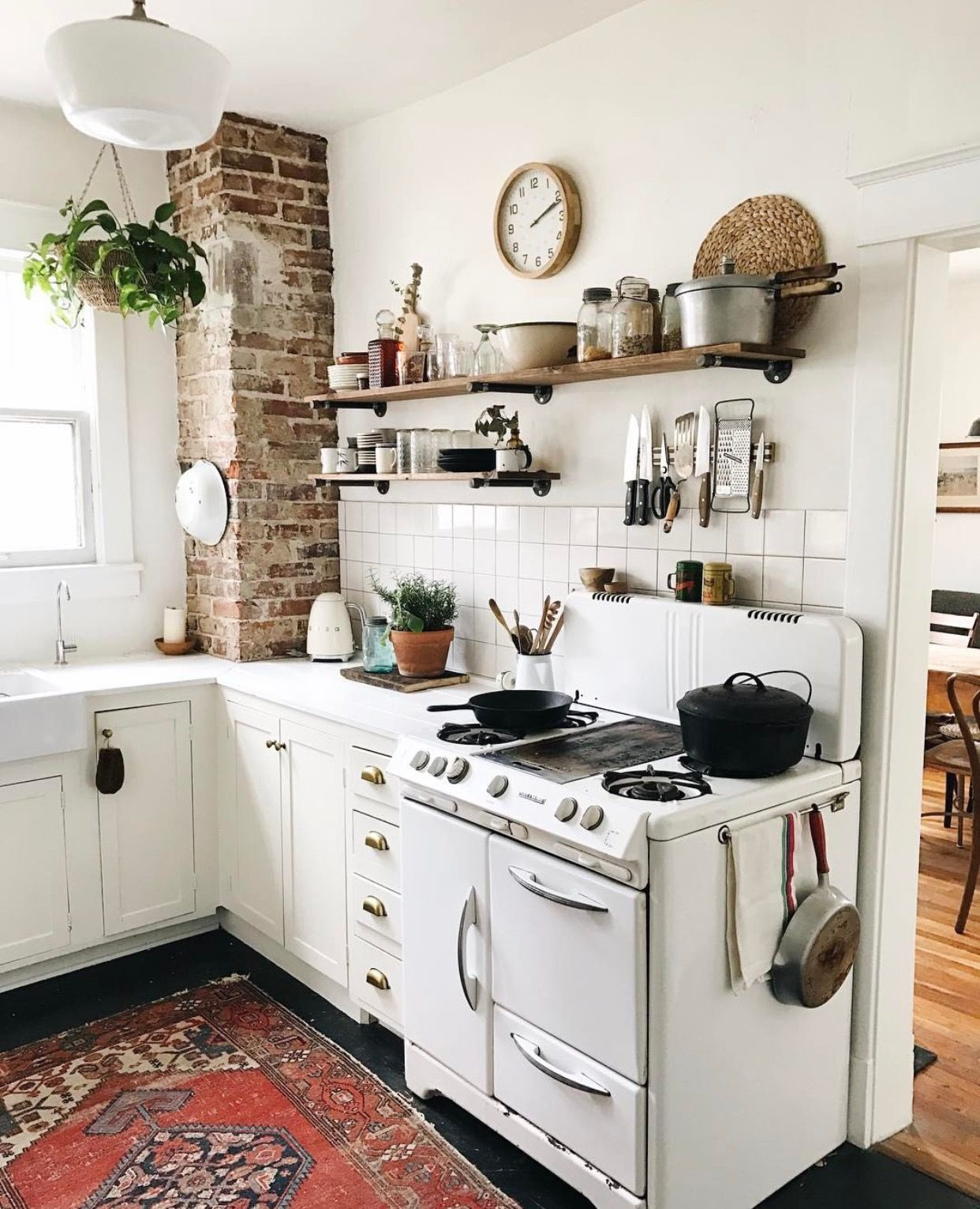 Pinterest • jessica_mardle Cottage kitchen design