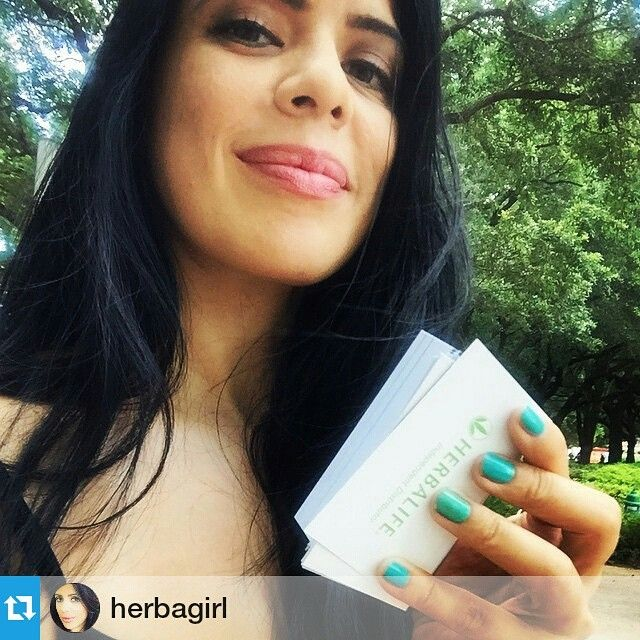 My good friend @herbagirl made great strides with her health and her body over the years which took her to building her biz in the arena, proud of what shes done and that beautiful smile lights up rooms  #fitfam #fitness #nutrition #health #instafit #wellness #lifestyle #weightloss #beinspired #shelifts  Repost herbagirl ・・・ Did flyers today. #thankyou #midtown #houstongalleria #houstonherbalife #herbalifehouston #houston #lovemycity #herbagirl