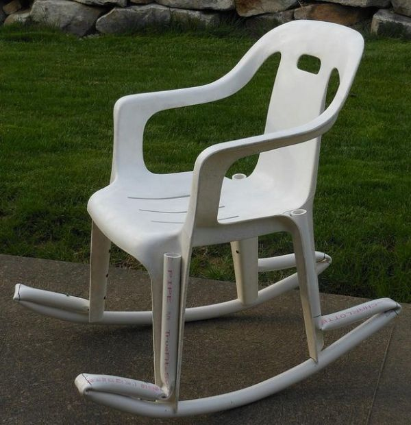 Resin and pvc pipe rocking chair diy gardening for Pvc outdoor furniture