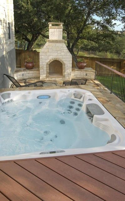 outdoor spa & fireplace