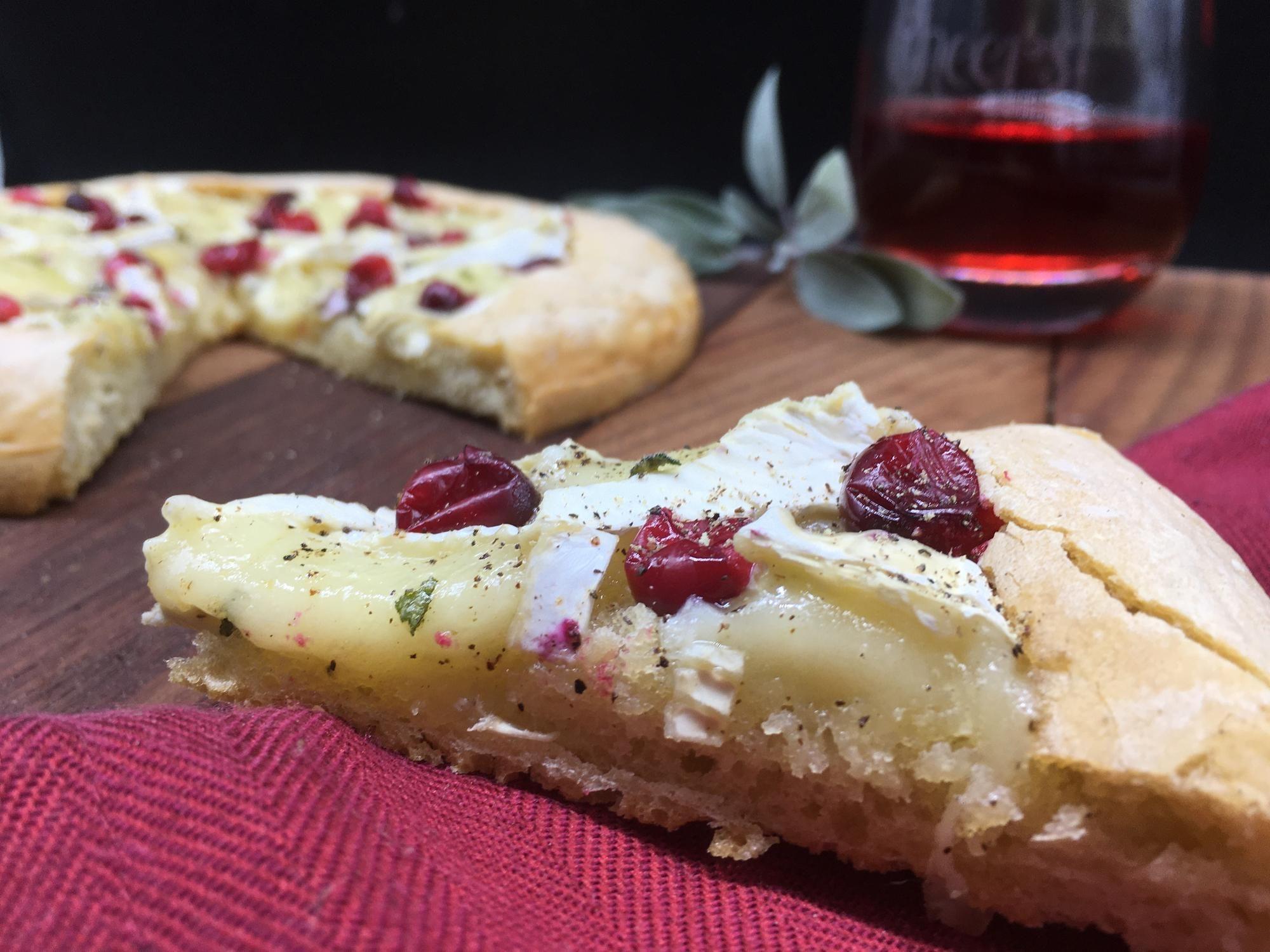 Gebackene Cranberry Brie Bites mit Salbei (Rezept in Kommentaren) - #essensrezepte #essensrez... #cranberrybriebites