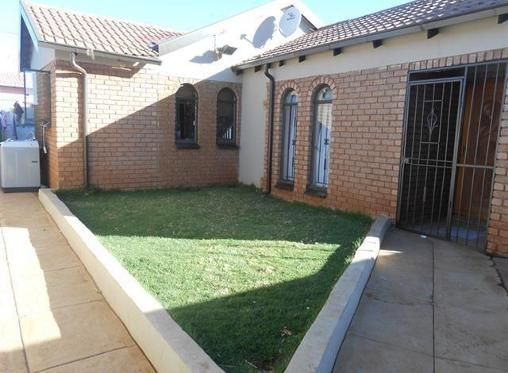 3 Bedroom House For Sale In Protea Glen Ext 1 Soweto R 695 000