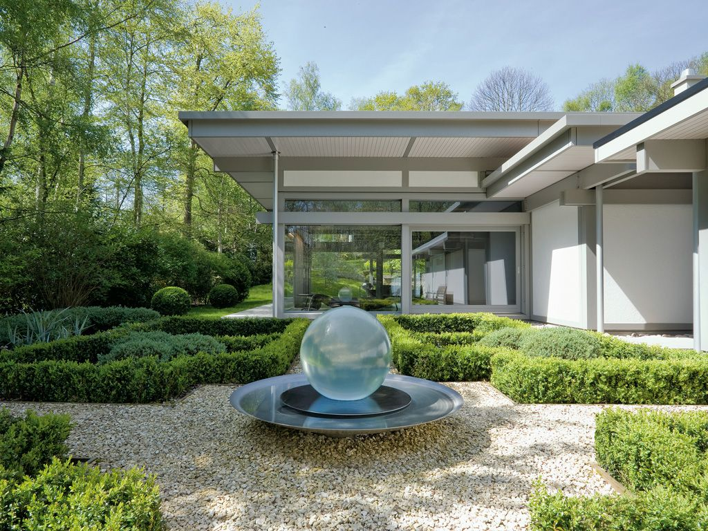 ^ 1000+ images about Huf Haus on Pinterest Gardens, Vintage sofa ...