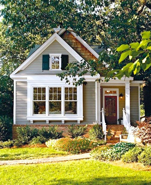 Love The Front Of This Cute House Cottage House Exterior Small Cottage House Plans Small Cottage Homes