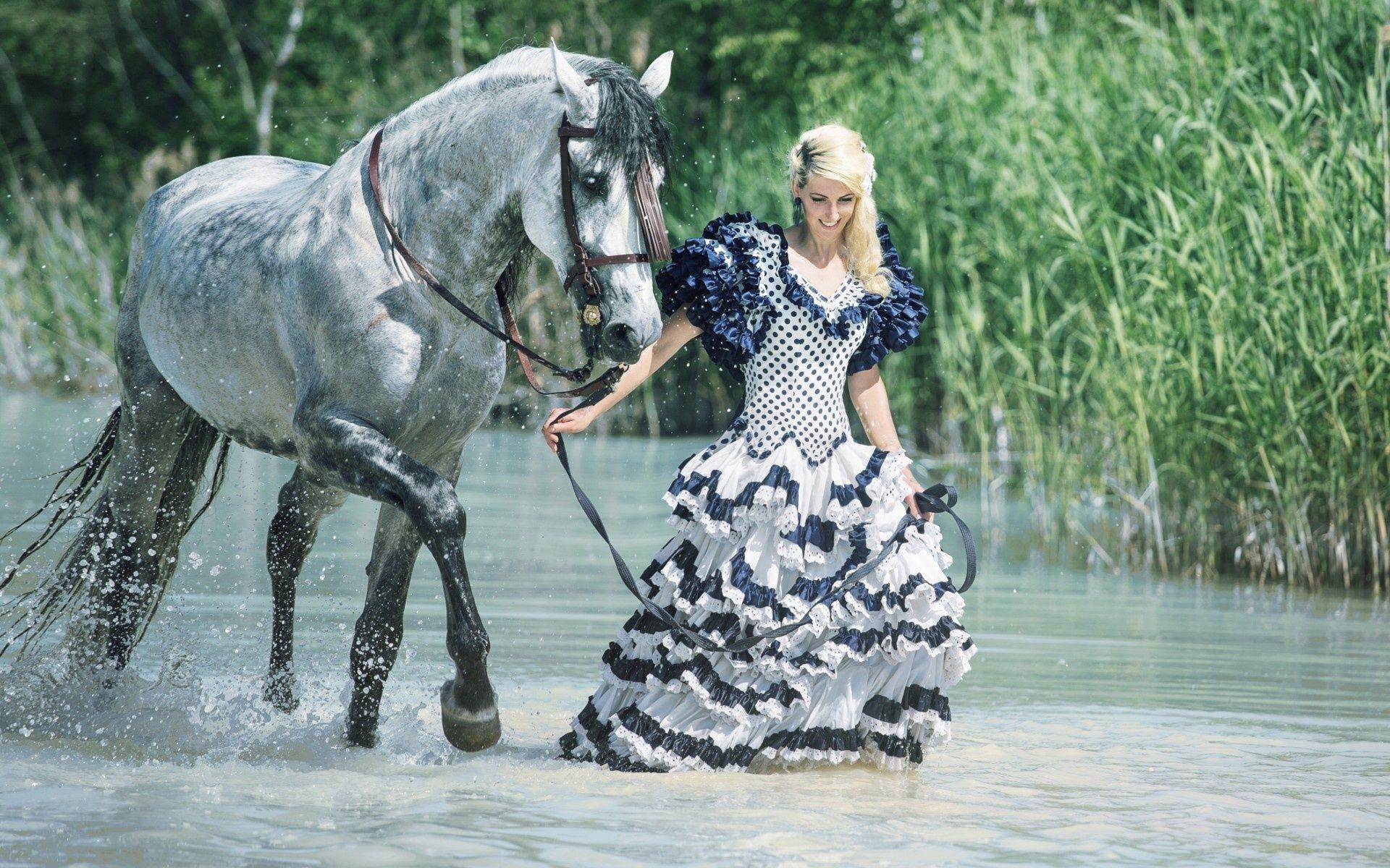 1920x1200 девушка, конь, прогулка, платье