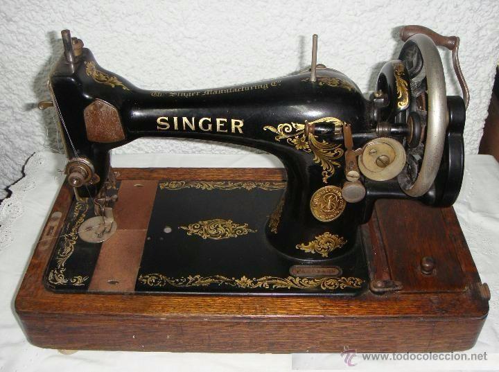 Antigua Maquina de Coser Manual. Portátil. SINGER - 1915