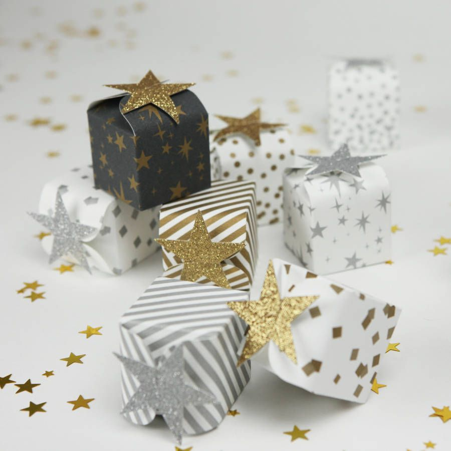 Beautiful Gold and Silver favour boxes perfect for small treats and ...
