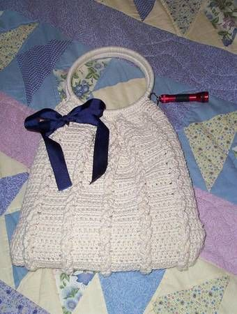 From the Craftster Community: Crocheted Cables Purse w/ tutorial - CROCHET