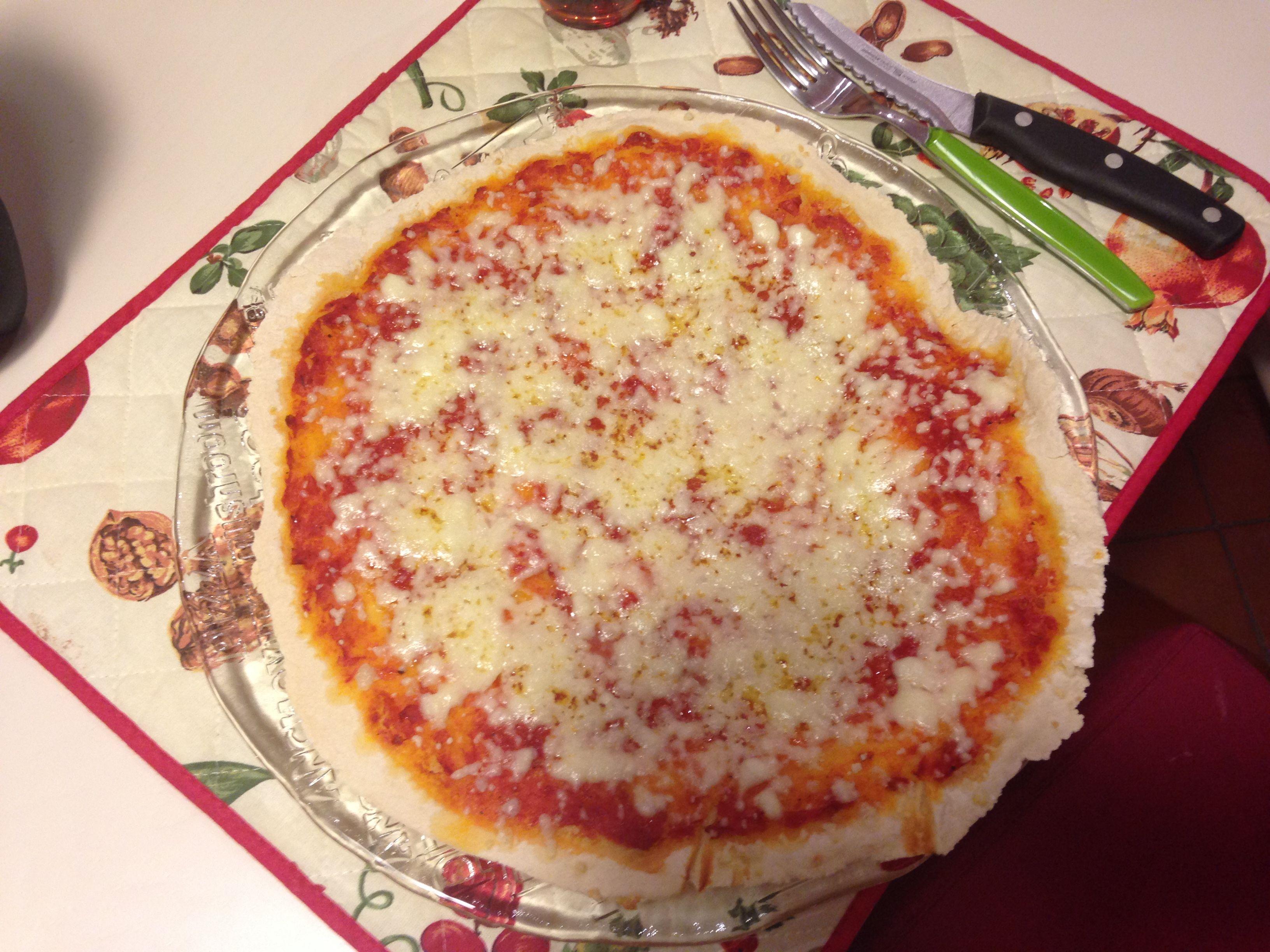 Pizza margherita fatta con lievito madre...