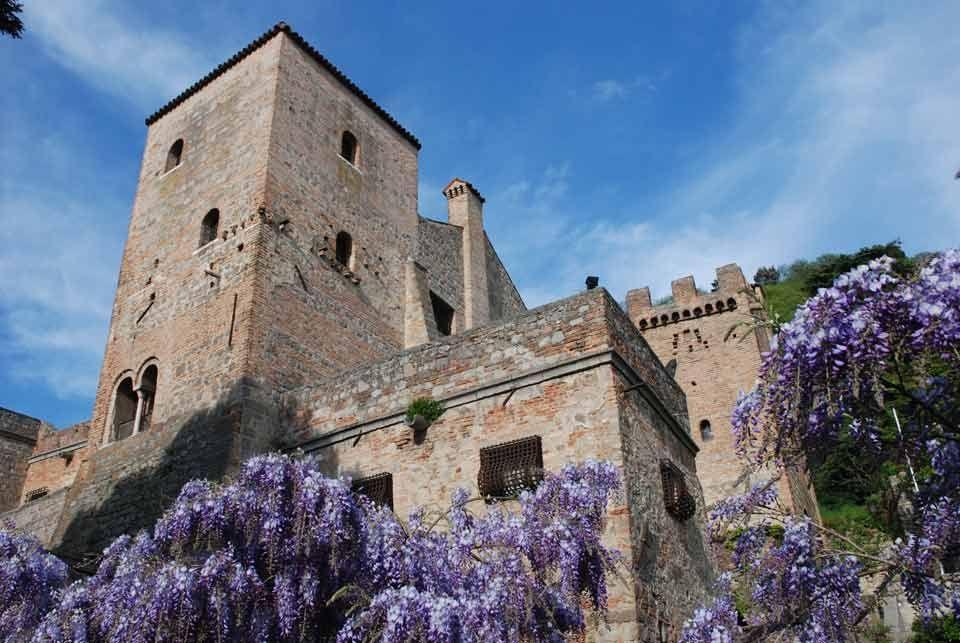 Castello di Monselice, provincia di Padova. 45°14′00″N 11°45′00″E