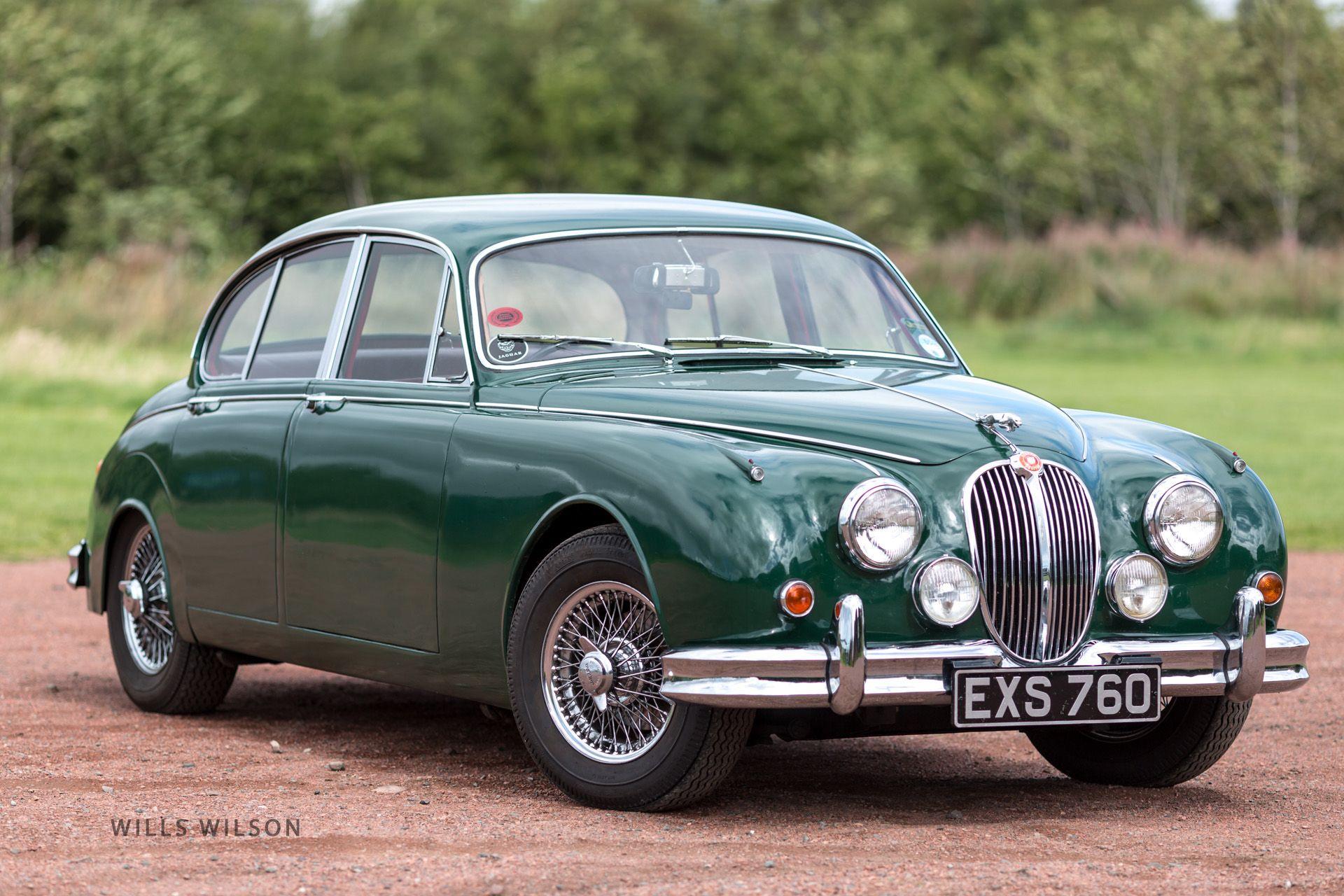 Jaguar mk2 British racing green