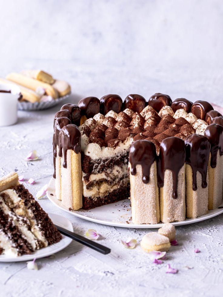 Schokoladen Tiramisu Charlotte Torten Rezept backen mit Kaffee, Löffelbiskuits und Schoko Drip #torte #schokolade #chocolate #backen #dripcake Emma´s Lieblingsstücke #rezepteherbst
