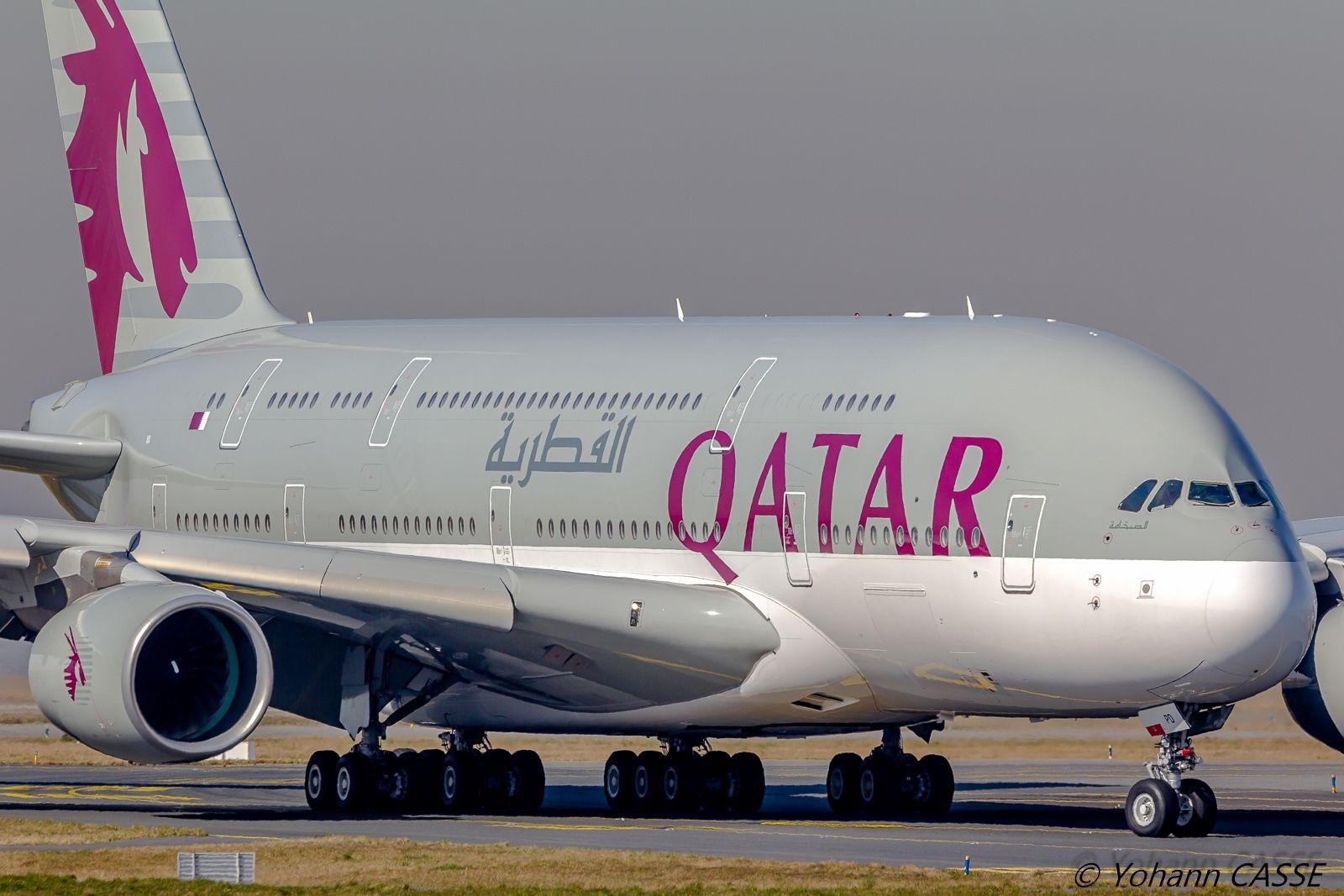 airbus a380861 qatar airways a7apd cdg a 380 pinterest