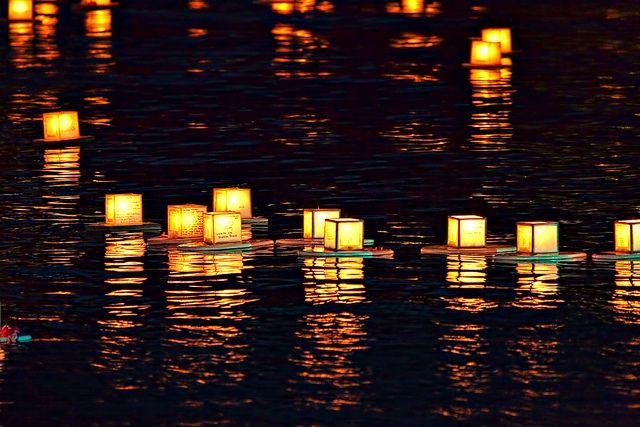 lantern floating hawaiian style memorial day 2 hawaiian and ocean