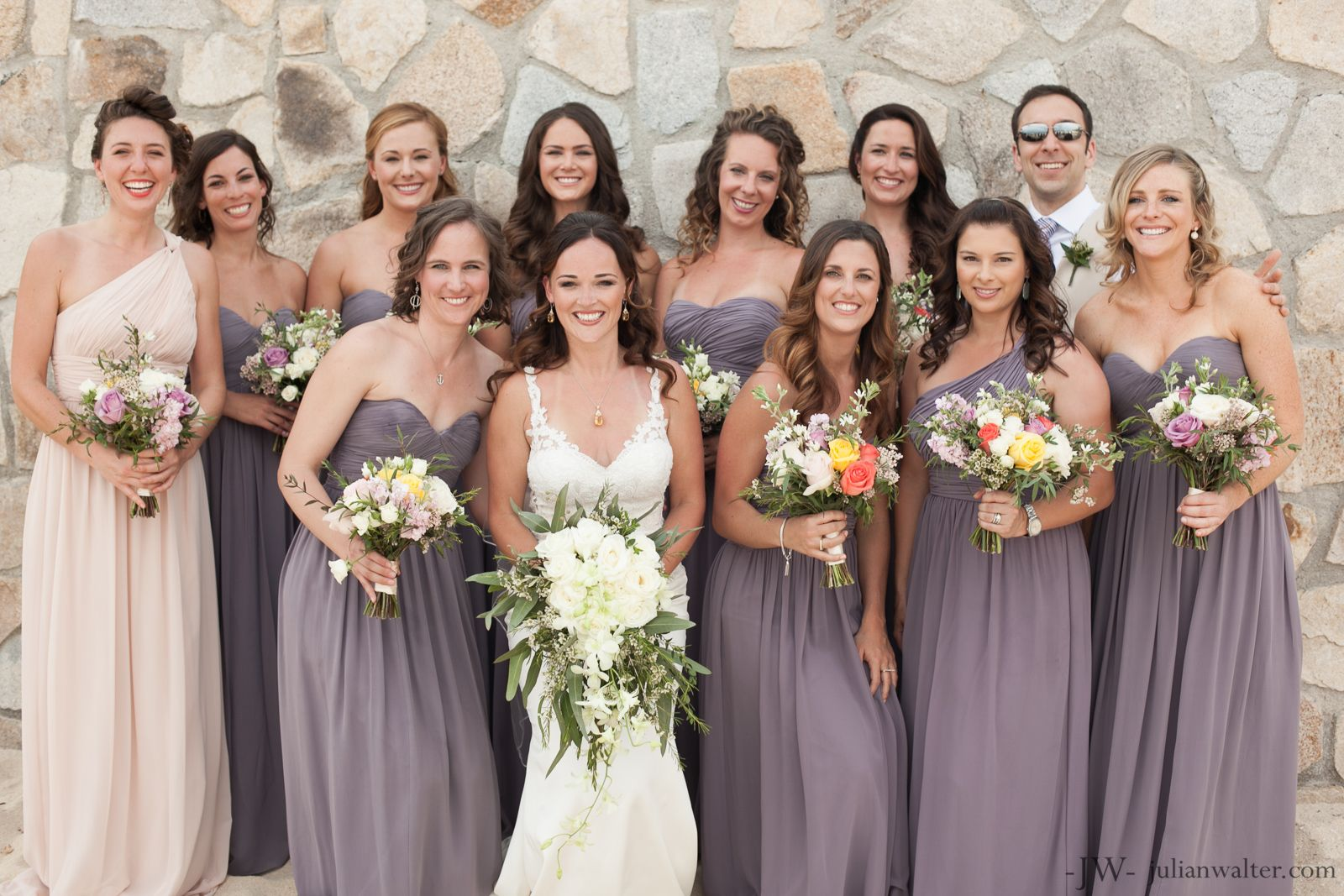 40bd3b56daf8 In love with these dusty lilac/lavender bridesmaids dresses and the blush  maid of honor for Stephanie´s wedding at Villa Captiva Los Cabos.