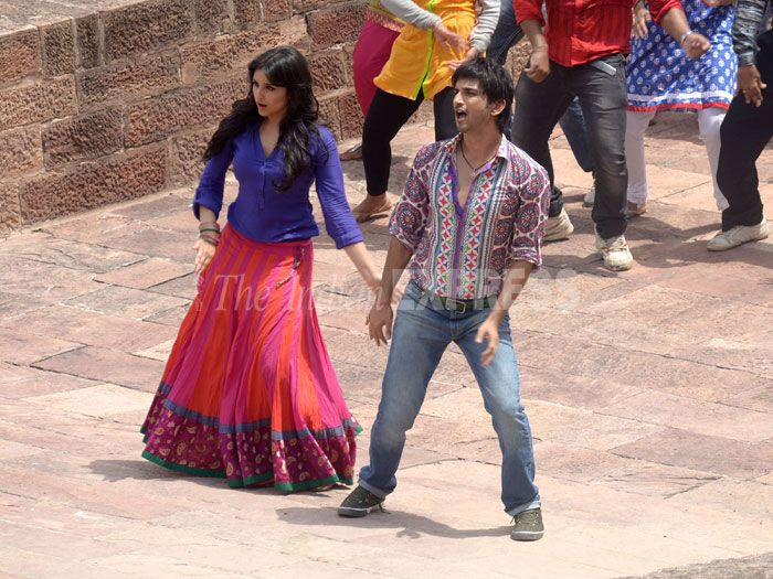 Sushant, Parineeti shoot for new song from Yash