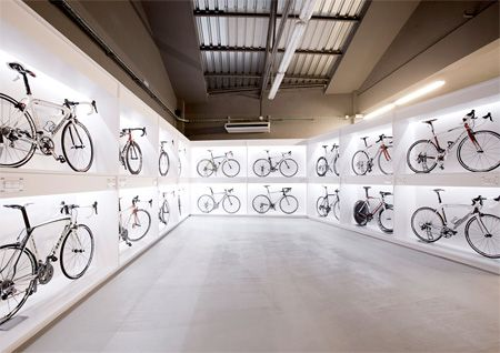 Pave Bike Shop In Barcelona Spain Designed By Joan Sandoval Bicycle Shop Bicycle Store Bike Room