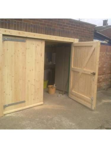 Side Hung Side Hinged Timber Wooden Garage Door Gates Barn Doors