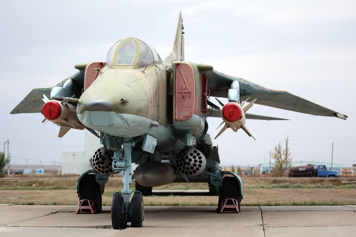 A loaded MiG-27, which looked as if it hasn't flown in a while.