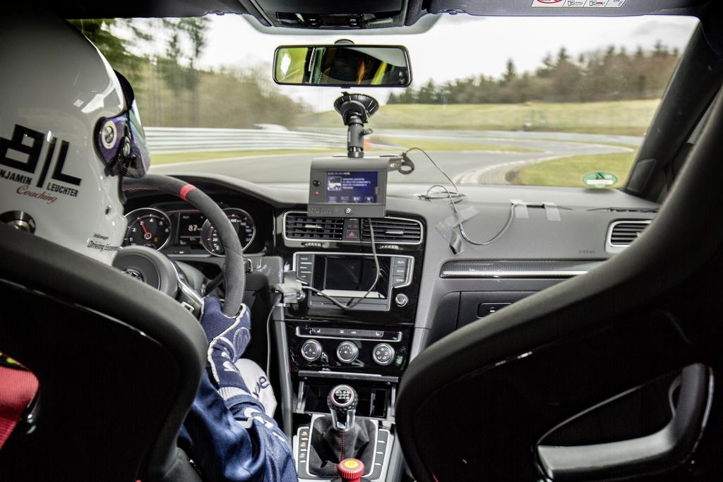 New VW Golf GTI Clubsport S breaks Nürburgring lap record