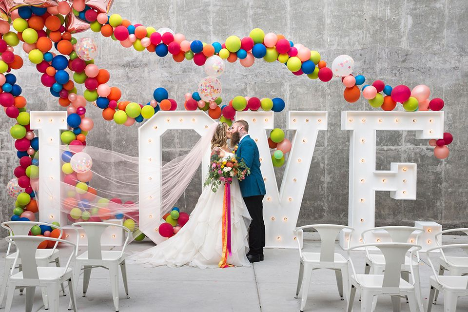 Long Beach Wedding Shoot At Howl Bride And Groom Ceremony Kissing