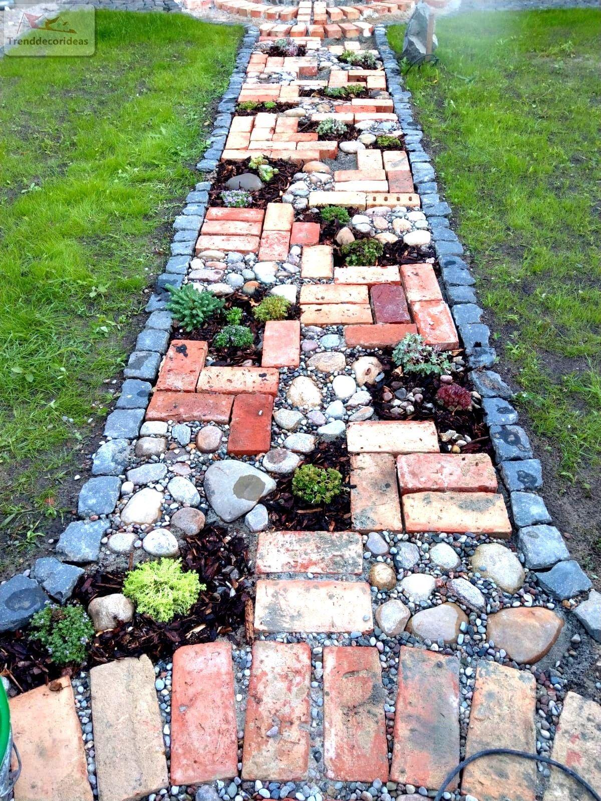 42 Amazing DIY Garden Path and Walkways Ideas #gardenlandscaping