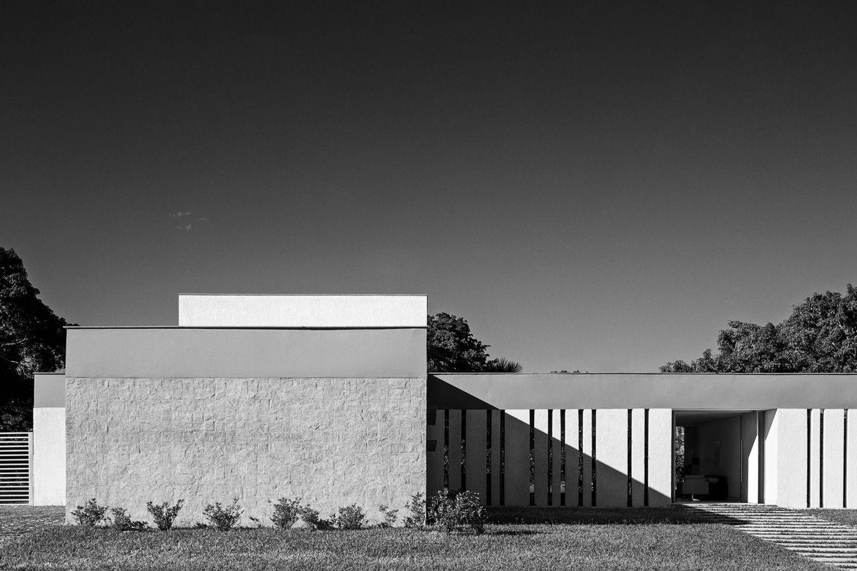 Casa LK | Estúdio MRGB | Image © Haruo Mikami