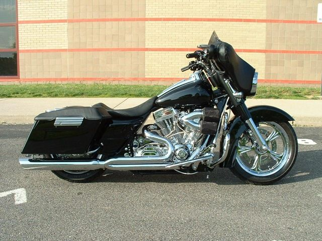 Bagger bikes when a bagger and a wing love each other for How much to paint a motorcycle