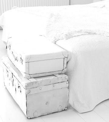 Bauli e vecchie valigie come elementi d'arredamento