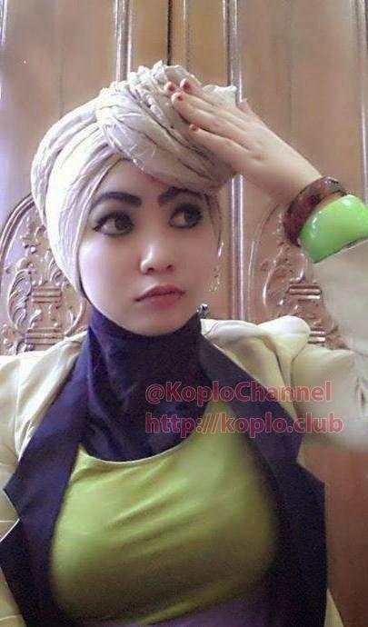 Foto Hijaber Muda Bergairah Jilboobs Populer