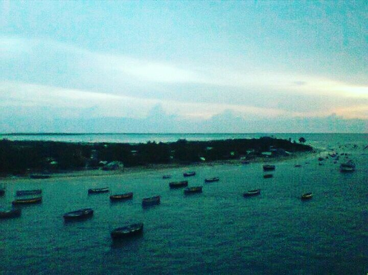 This view should be in every #travellers #bucketlist .. #breathtaking view of boats arriving at #shore in the evening from #pambanbridge #rameshwaram #bayofbengal by achirab