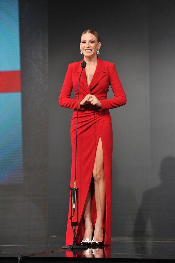 350 Serenay Sarikaya Ideas Serenay Sarıkaya Turkish Beauty Prettiest Actresses