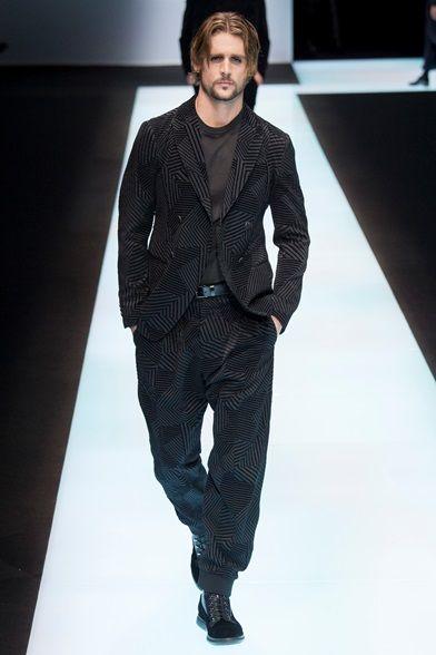 Sfilata Moda Uomo Giorgio Armani Milano - Autunno Inverno 2016-17 - Vogue fed89eb34bb
