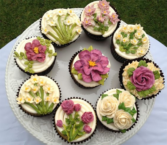 BEAUTIFUL FLOWER CUPCAKES, COOKIES: