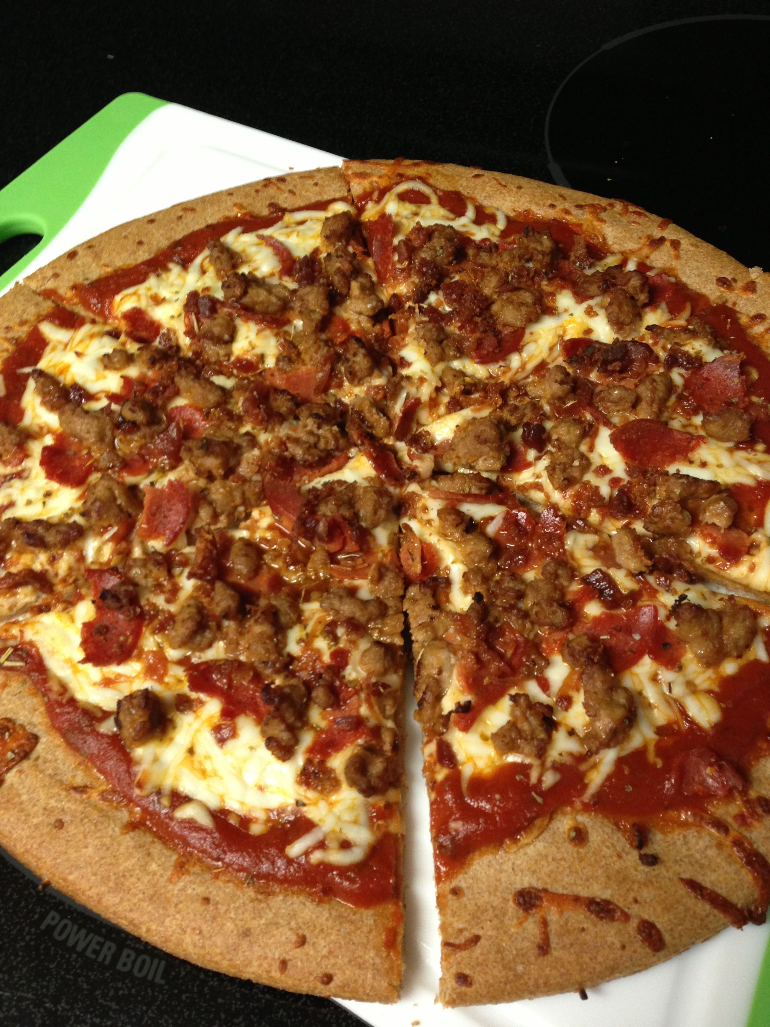 Meat Lover Pizza : lover, pizza, Lover's, Pizza, Emily, Bites, Recipe, Lovers, Pizza,, Homemade, Recipe,