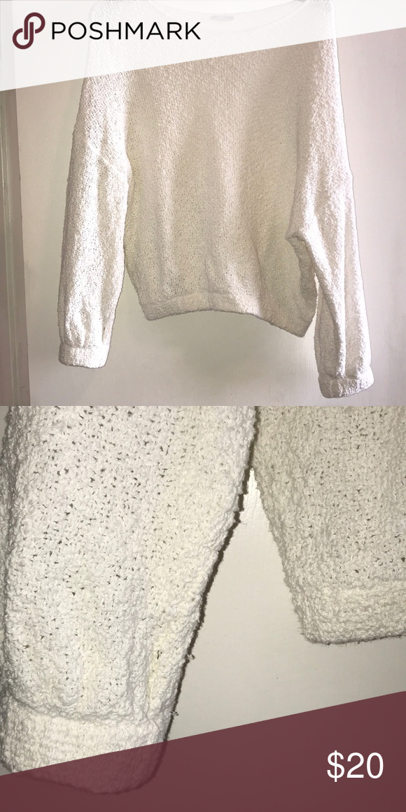 365b4df3 Knit white cropped sweater from Zara Super cute and warm Slightly cropped  (I'm 5'8) Bottom and sleeves have elastic band Worn very lightly! Zara  Sweaters
