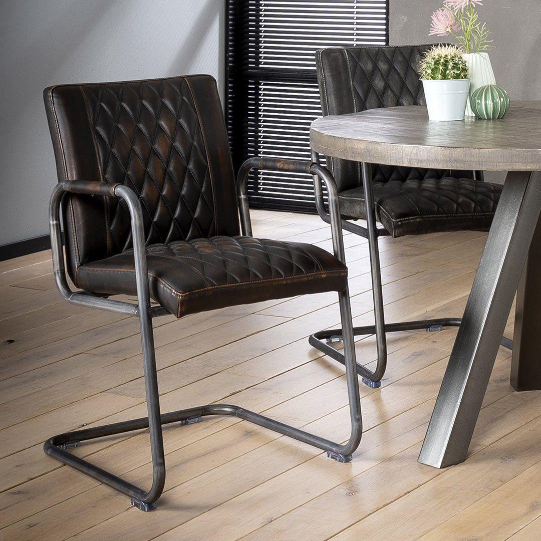 Lot De 2 Chaises Vintage En Pu Avec Accoudoirs Emilie Matelpro En 2020 Fauteuil De Table Chaise Style Industriel Chaise De Salle A Manger