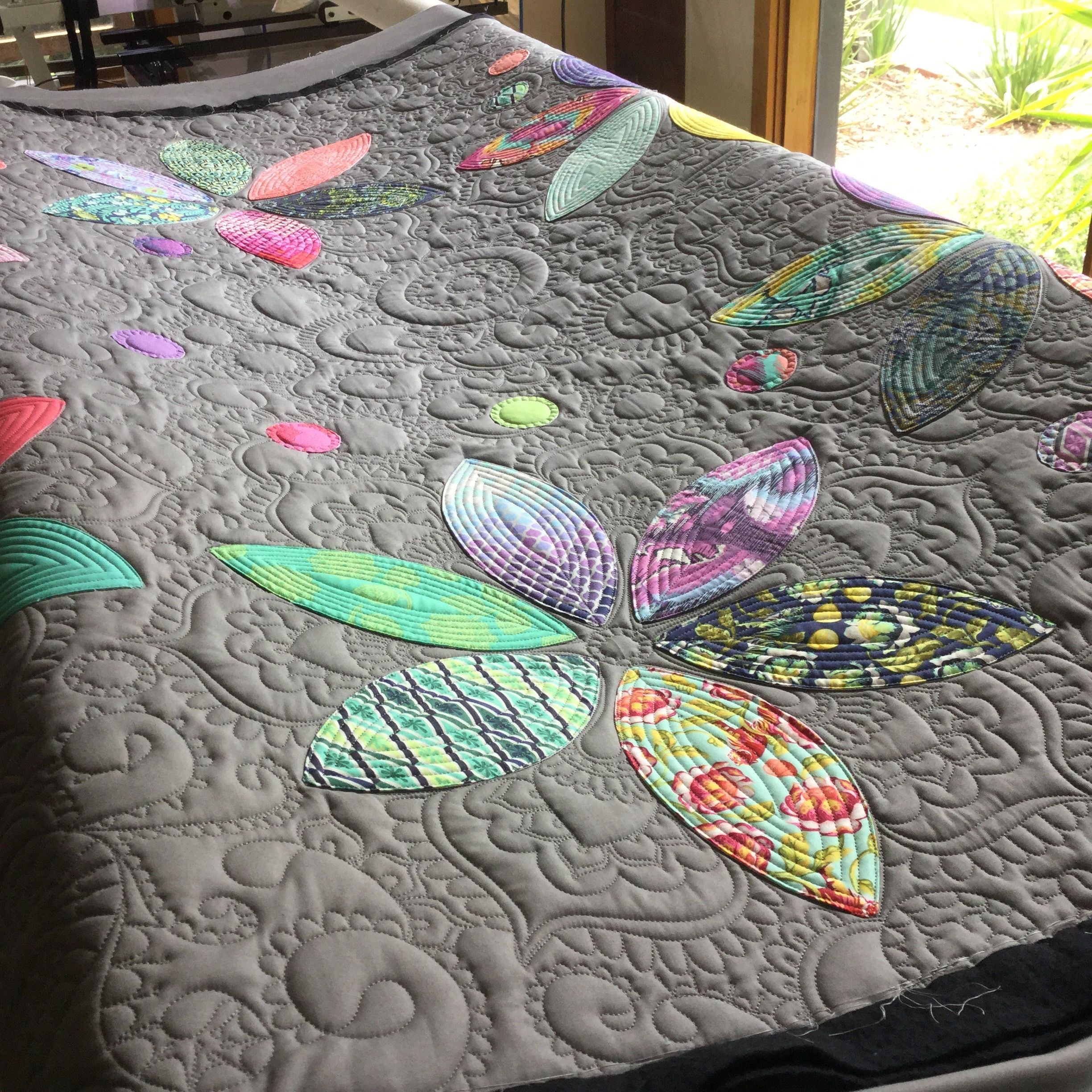 Tula Ring Of Flowers Quilt Machine Quilting Designs