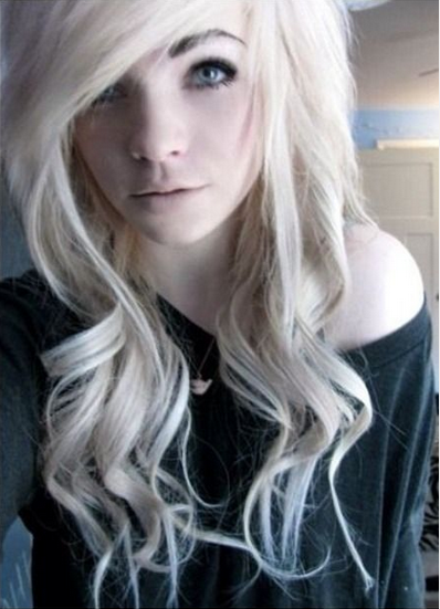 got my hair cut kinda like this yesterday...EEK!! shes so pretty <3